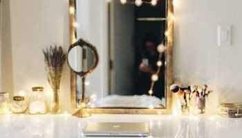 Как украсить комнату белым туалетным столиком?