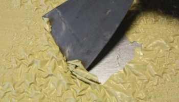 Как убрать старую краску с металла