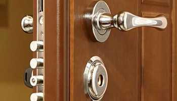 Можно ли поменять замок в металлической двери