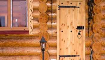 Как собрать деревянную дверь своими руками