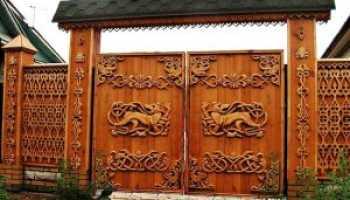Деревянные ворота: особенности конструкций
