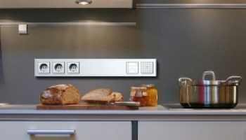 На какой высоте делать выключатели в квартире