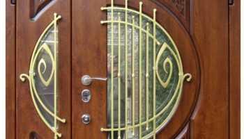 Двухстворчатые входные металлические двери