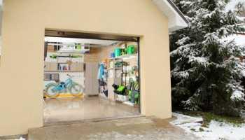 Мебель для гаража: примеры обустройства помещения